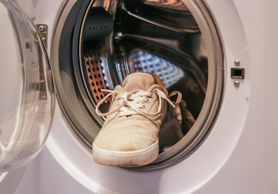 Schoenen in de wasmachine
